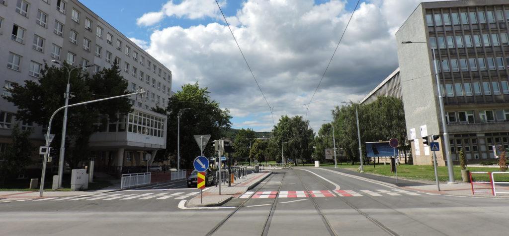 ef6572611 Medzi najvýznamnejšie modernizácie verejného osvetlenia patria modernizácie  v mestách Prešov, Košice (VO pri modernizácii električkových tratí),  Malacky, ...